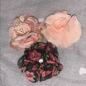 CLEARANCE!!! set of 3 flower hair clips